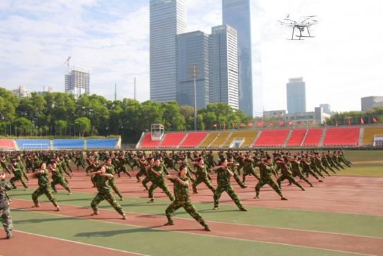 智璟科技安保无人机助力深大-冬季军训总结表彰大会完美收官